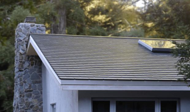 首個安裝 Tesla 太陽能屋頂的案例完成施工 800x-1