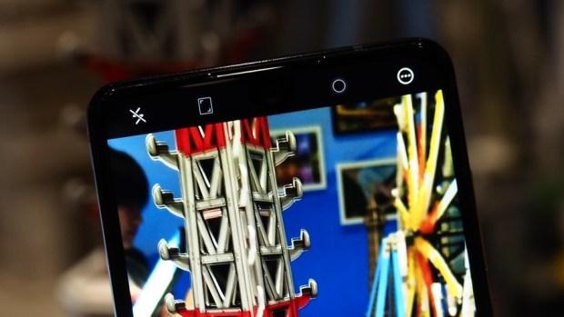 日系品牌 SHARP 推出無邊框新機 AQUOS S2,多項特色極似傳說中的 iPhone 8 8150392
