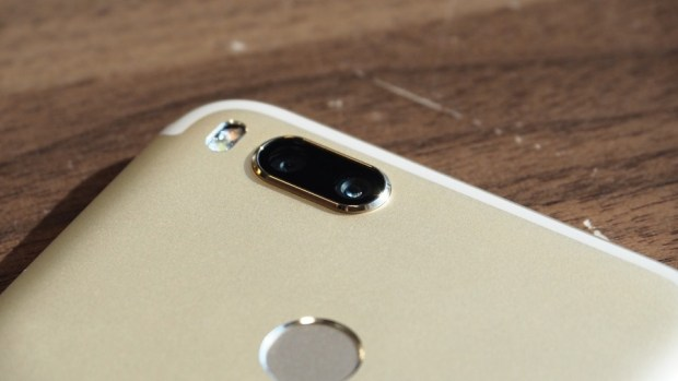 小米全新雙鏡頭手機 Mi A1 強勢登場!!首支搭載 Android one 系統,不到七千元 P9051057