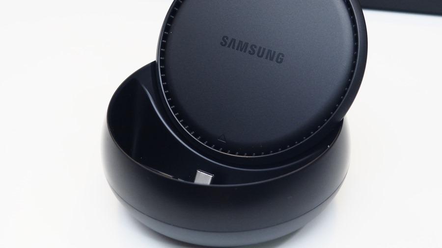 輕鬆把手機變電腦、讓電視具備上網功能-Samsung DeX 行動工作站 A171643