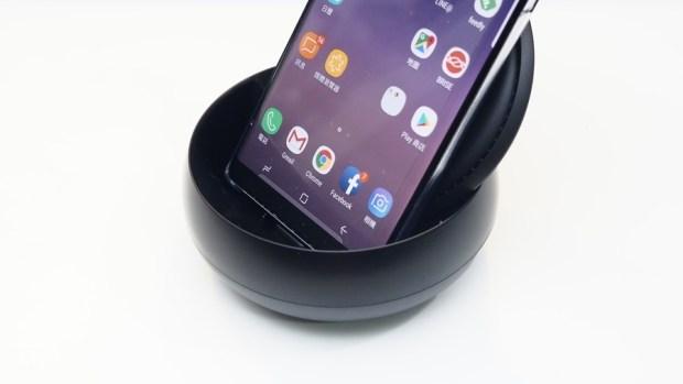 輕鬆把手機變電腦、讓電視具備上網功能-Samsung DeX 行動工作站 A171646