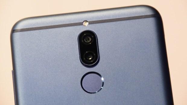 華為首款全面螢幕手機 HUAWEI nova 2i 網美姬來囉! 不只拍照,連攝影都能美肌讓妳無時無刻都好看 B142222