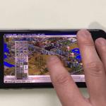 把 Windows 95 裝進 iPhone X,模擬城市 2000 都可以玩