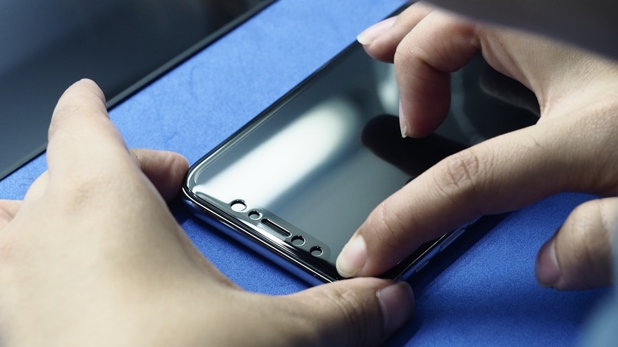 iPhone X 金屬邊框居然超脆弱!推薦你到這邊來體驗超完整包膜 B132153