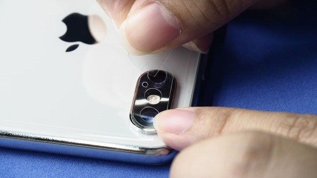 iPhone X 金屬邊框居然超脆弱!推薦你到這邊來體驗超完整包膜 B132163