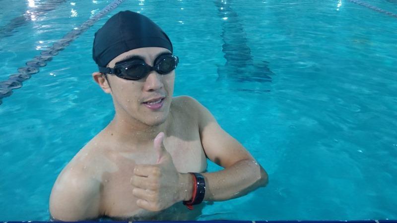 Gear Fit 2 Pro 運動手錶開箱評測,支援5ATM水下50公尺防水,全天候追蹤運動狀態 image042