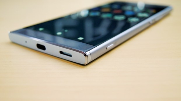 Sony 中階新機發表,輕鬆價格得到旗艦機功能 - Xperia XA2、Xperia XA2 Ultra、Xperia L2 DSC7334