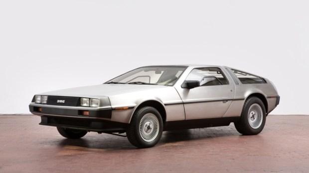 用雪堆雕出來的車,連警察也上當 delorean-erstbesitz-mr-delorean-baujahr-1982-1
