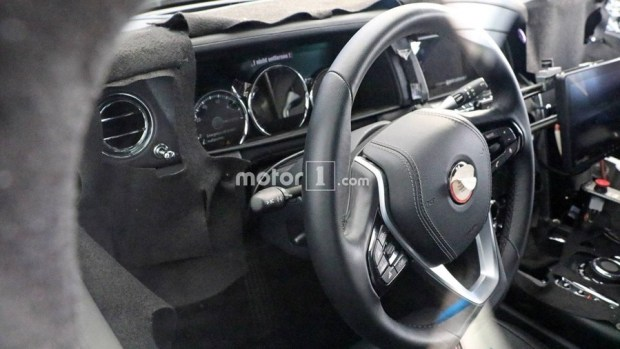 Rolls-Royce 首輛 SUV 車型將於今年亮相 rolls-royce-cullinan-spy-photos-inside-and-out