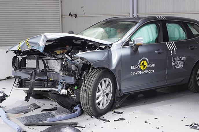 Euro NCAP 2017年度各級距最佳安全車款,你的車有上榜嗎?! volvo_xc60_2017_SmallOverlap