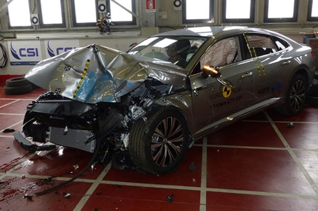 Euro NCAP 2017年度各級距最佳安全車款,你的車有上榜嗎?! vw_arteon_2017_SmallOverlap
