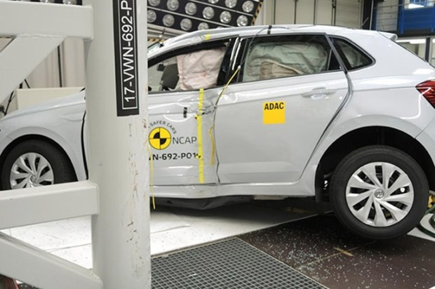 Euro NCAP 2017年度各級距最佳安全車款,你的車有上榜嗎?! vw_polo_2017_%E7%AB%8B%E6%9F%B1%E6%92%9E%E6%93%8A