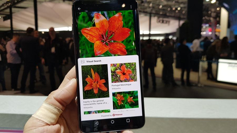 [MWC 2018] 不與爭鋒? LG 在 MWC 僅推出小改款 V30S ThinQ 系列手機,主打相機 AI 功能 20180226_100949