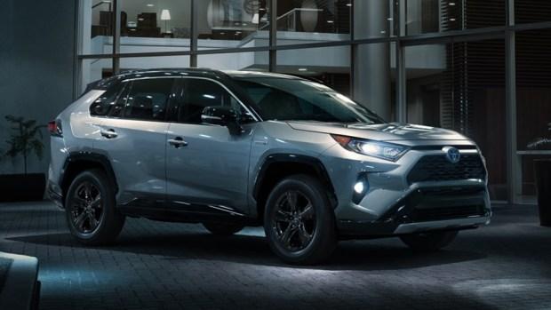 新一代 Toyota RAV4 真面目亮相,CRV 與 CX-5 要小心了 2019-toyota-rav4-13-1