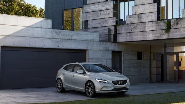這邊有一批便宜的 Volvo,想買要快喔! V40-900x506