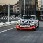 可在 30 分鐘內充飽電的電動休旅車 Audi e-tron SUV