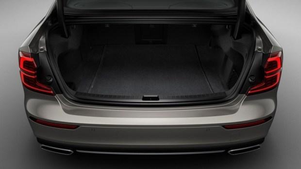 全新第三代 Volvo S60 正式發表,只有汽油與油電混合動力選項 230798-new-volvo-s60-inscription-interior-1