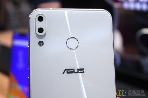 把孔劉帶回家!ZenFone 5 推「孔劉限定版」,新色「雪花白」超美登場 IMG_9713-900x600