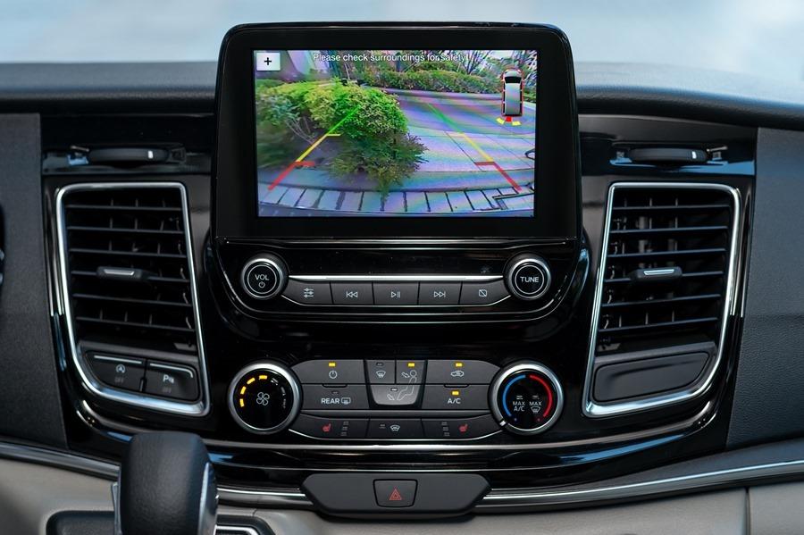 Ford Tourneo Custom 小改款上市,新增短軸版商旅車 %E6%97%85%E8%A1%8C%E5%AE%B66