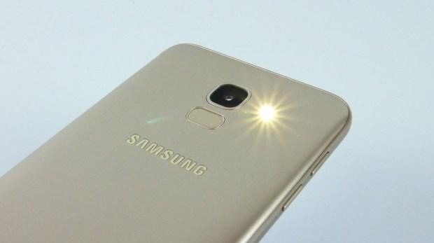 八千不到即可擁有,玩美自拍、超大全螢幕、高 CP 值的 Samsung Galaxy J6 DSC0437