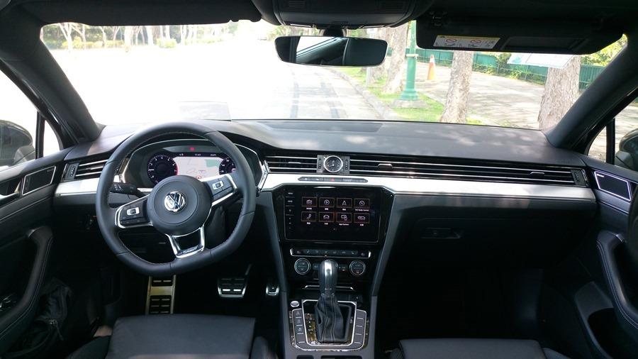 熱血爸爸別亂試,試了就回不去了,VW Passat Variant 380 TSI R-Line Performace IMAG1148
