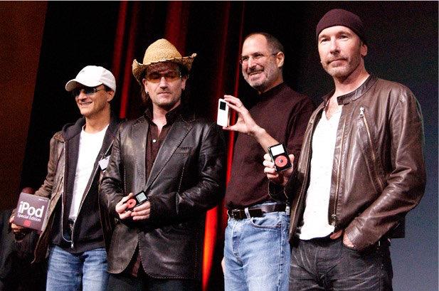 iPhone 裡那張 U2 專輯到底是怎回事? 1229929-steve-jobs-bono-u2-edge