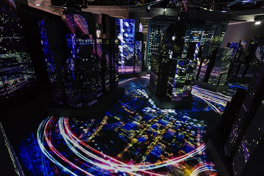 演員躍身「光雕魔法師」,村松亮太郎用科技展現如夢似幻的光影魅力 497A87601