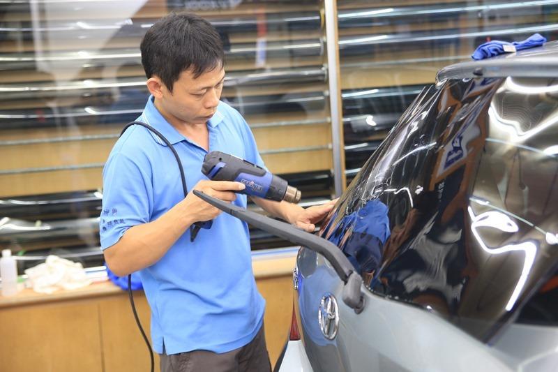 JEC 汽車隔熱紙推薦(JC30/JC20),隔熱遮光效果超明顯,非金屬膜不擔心影響干擾訊號 IMG_8597