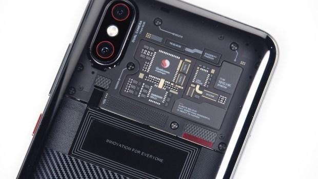 [評測] 小米 8 Pro:集結眾多新科技於一身,年度最具科技感智慧手機 clip_image005