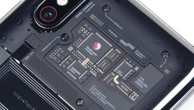 [評測] 小米 8 Pro:集結眾多新科技於一身,年度最具科技感智慧手機 clip_image006
