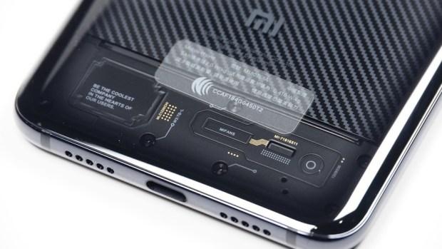 [評測] 小米 8 Pro:集結眾多新科技於一身,年度最具科技感智慧手機 clip_image007