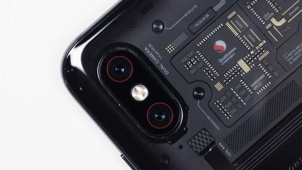 [評測] 小米 8 Pro:集結眾多新科技於一身,年度最具科技感智慧手機 clip_image008
