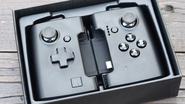 ROG Phone 周邊:GameVice 遊戲控制器+WiGig 無線投影基座,實現你在大螢幕打電動的夢想! 9305394