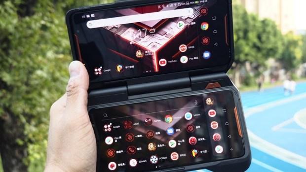 華碩 ROG Phone 搭配 TwinView 雙螢幕基座,手機雙變身螢幕掌機! 9305429