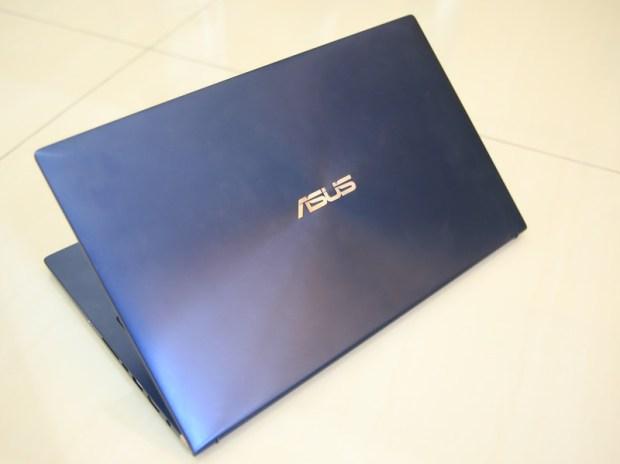 美‧力無邊ASUS ZenBook 15 UX533FD 開箱,全球最小15.6 吋筆電,電池續航力長達 16 小時! IMG_9182