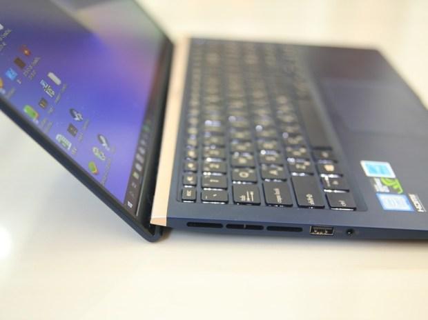 美‧力無邊ASUS ZenBook 15 UX533FD 開箱,全球最小15.6 吋筆電,電池續航力長達 16 小時! IMG_9196