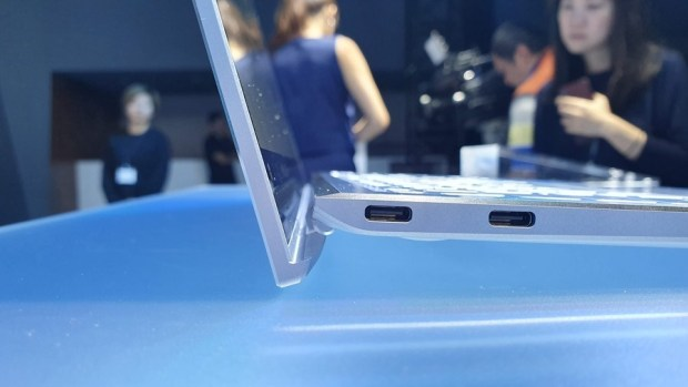 97% 超高螢幕佔比!華碩 ZenBook S13 (UX392) 輕薄筆電只有 1.1 公斤,還有 13.9 吋大螢幕! 20190509_131657