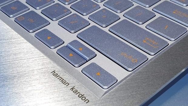97% 超高螢幕佔比!華碩 ZenBook S13 (UX392) 輕薄筆電只有 1.1 公斤,還有 13.9 吋大螢幕! 20190509_132503