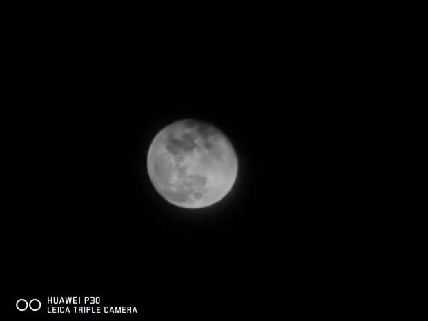 超強夜拍相機 HUAWEI P30評測心得,挑戰手機極致性價比 image051
