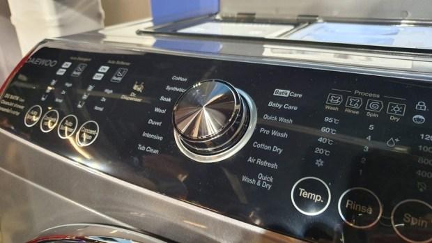 韓流來襲,DAEWOO 煒伲雅大宇在台推出世界首創「壁掛式洗衣機」,體積超迷你隨處好安裝 20190723_144546