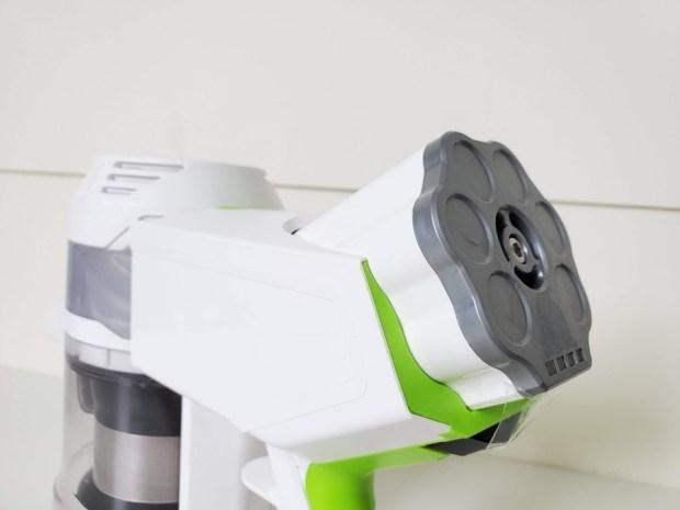 [開箱] 向拖地說掰掰!Hippolo 無線洗地機幫你輕鬆搞定地板清潔,還能消毒殺菌 20200330_210926