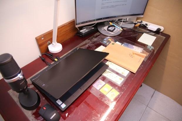「Artso 亞梭傢俬LED雙臂優閱燈」好開箱,不佔空間、大範圍照射、可調色溫、桌面百搭設計! IMG_0195