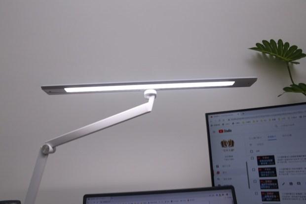「Artso 亞梭傢俬LED雙臂優閱燈」好開箱,不佔空間、大範圍照射、可調色溫、桌面百搭設計! IMG_9977