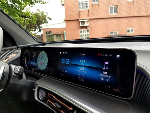 [試駕] 讓人合不攏嘴的賓士首款電動車 Mercedes-Benz EQC 400 4MATIC 運動版 20200502_140211