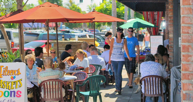 encinitas 101 cafe outdoor diners 645x340