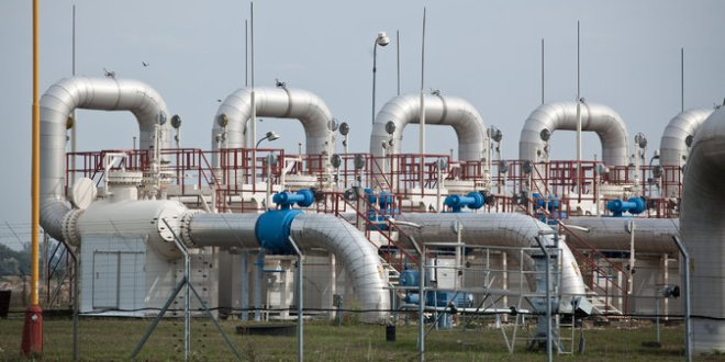 With Gas Cut Off, Ukraine Looks West