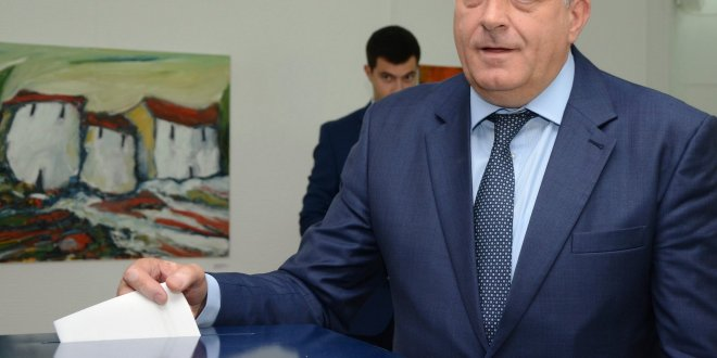 Bosnian Elections Reinforce Longstanding Ethnic Divisions
