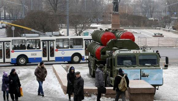 Russia displays air defense systems amid Ukraine tensions