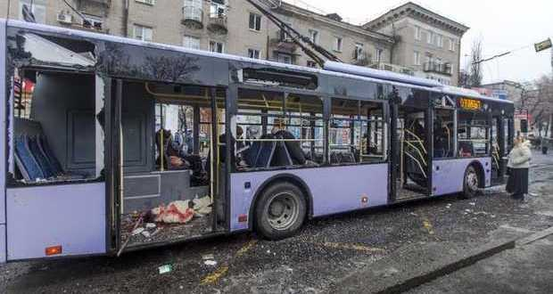 SOKILNYKY, Ukraine: Ukraine bus attack kills 13, dashes peace hopes for east