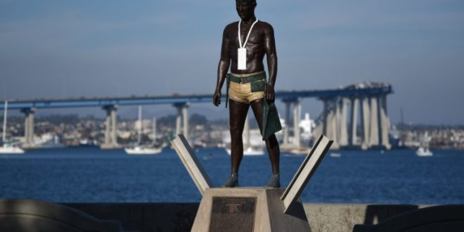 """First Ashore"" Dedication and ""Naked Warrior"" Unveiling 